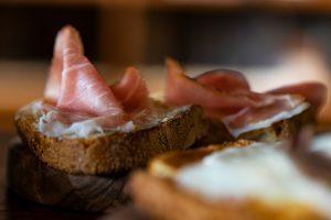 meat bruschetta