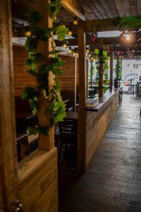 Basil & grape rustic interior